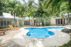 beach-villa-pool-11