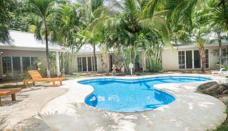 beach-villa-pool-11