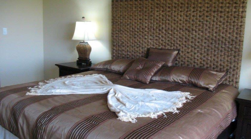 Condo-Master-Bed-11-20-08