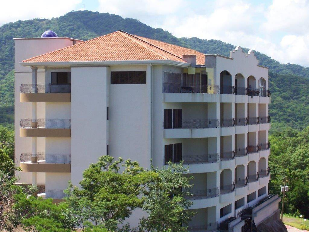 Flamingo towers costa rica real estate and rentals for Costa rica rental houses