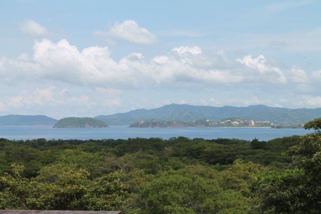 Ocean view lot located near Playa Conchal