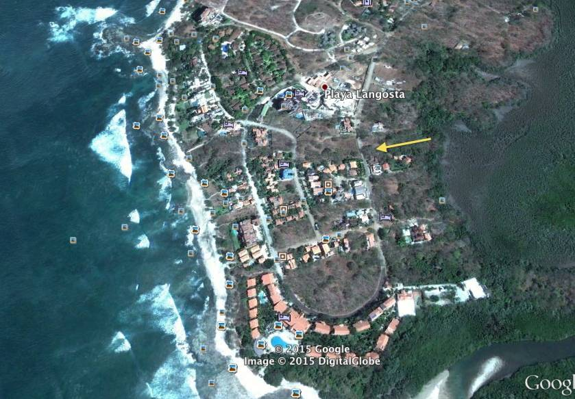 Large parcel in Playa Langosta