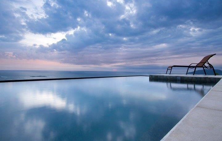 amazing-infinity-edge-pool