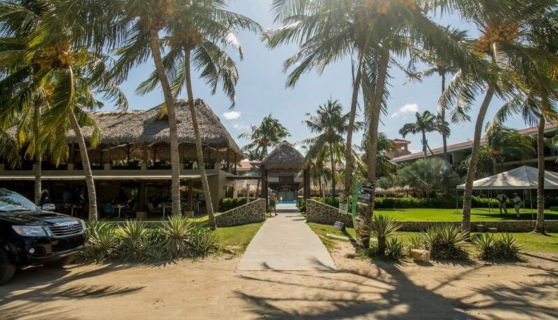 flamingo-beach-resort-2