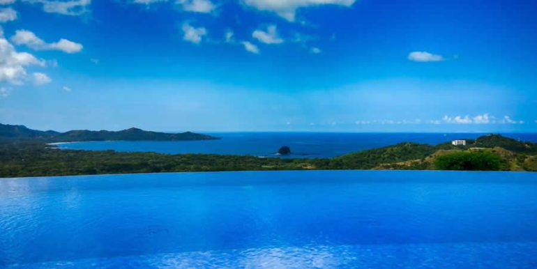 Imaginity-Pool-@-Mar-Vista