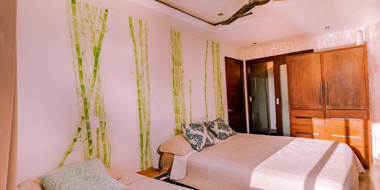 Waterfall House - Bedroom 2 jr master