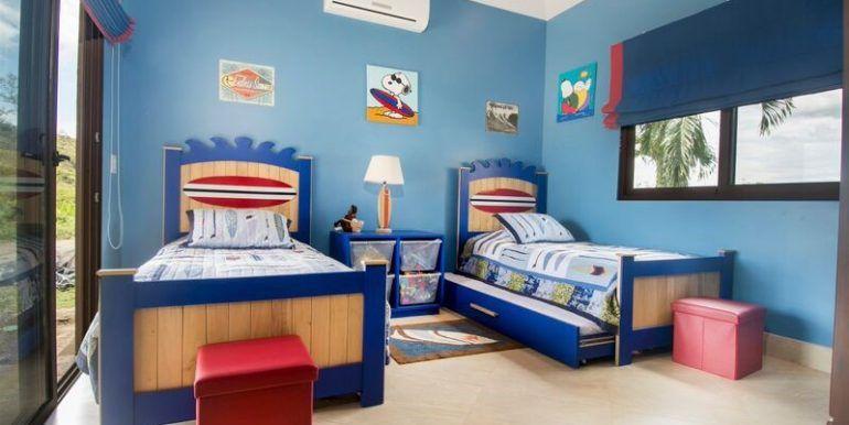 boys room main