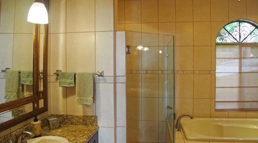 37W Bath1