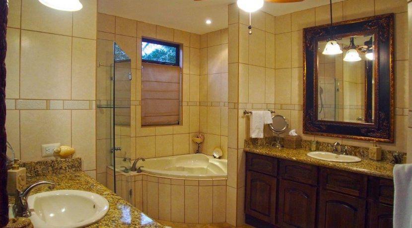 42W Bath2