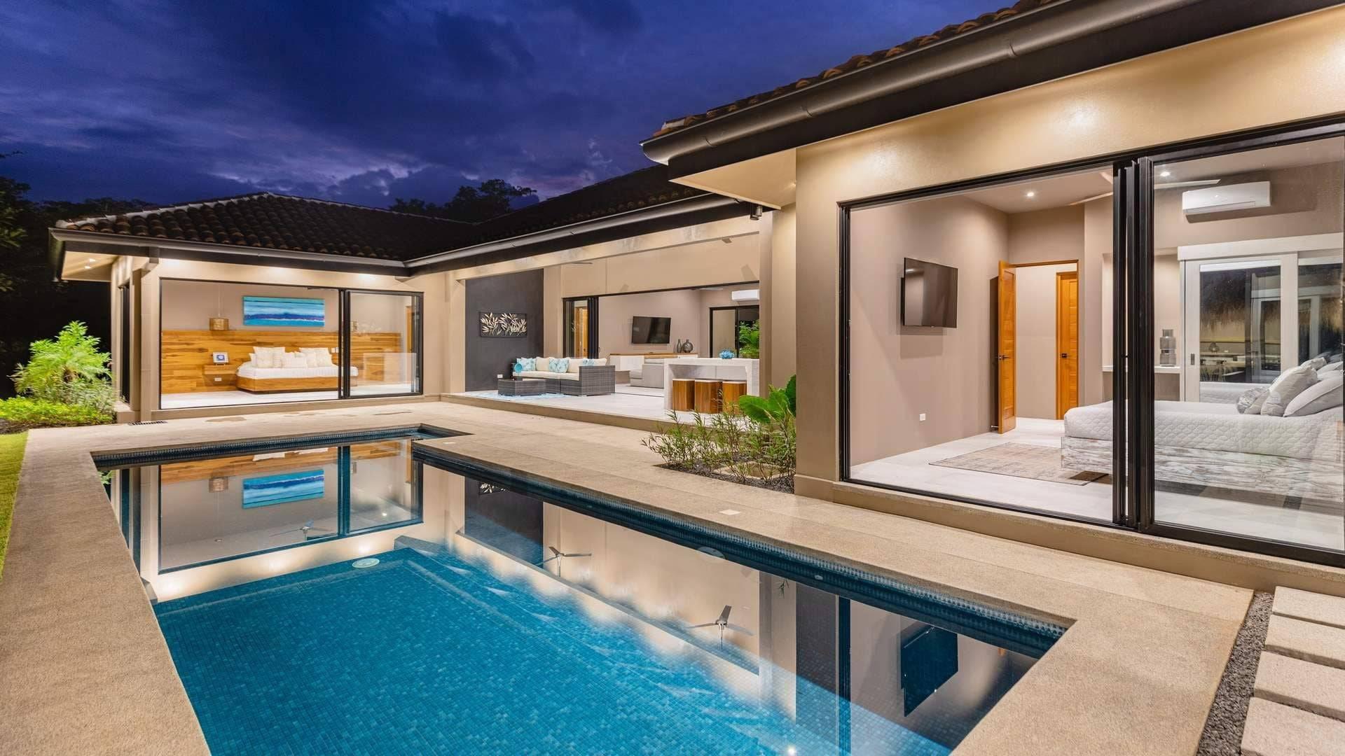 Casa Manzu- Modern Tropical in Beachfront Gated Community