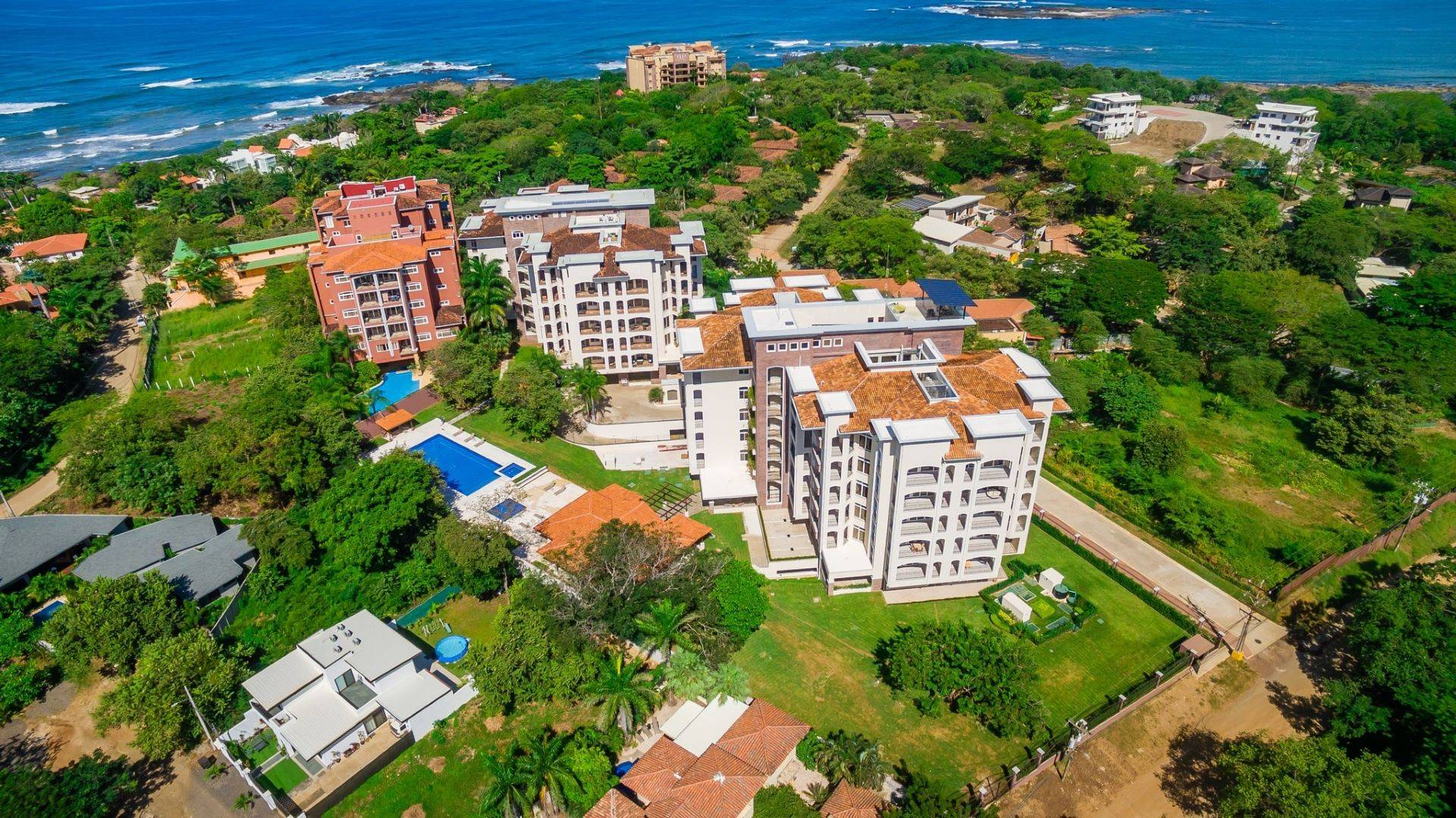 Beautiful Modern 3 Bedroom Beach Condominium (Type B+)
