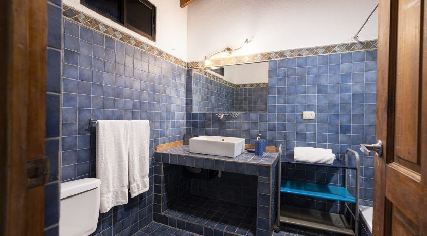 bathroom one-min
