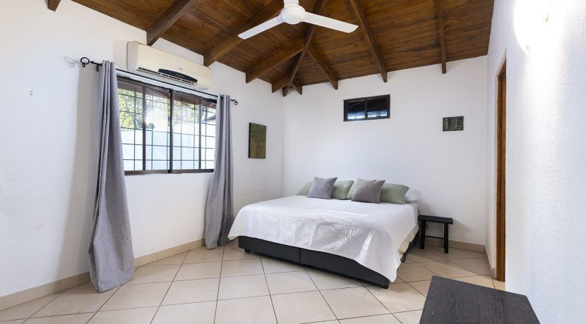bedroom one-min