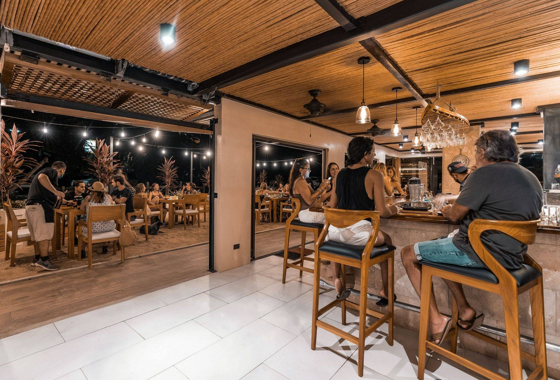 dine with toes in sand at Tamarindo restaurants