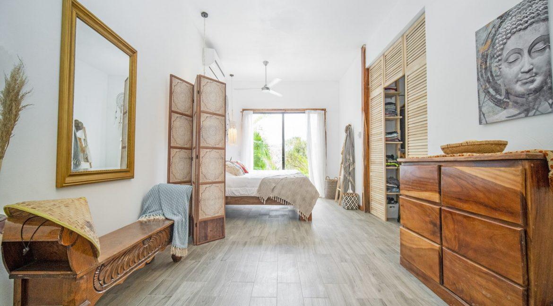 master bedroom 1-min