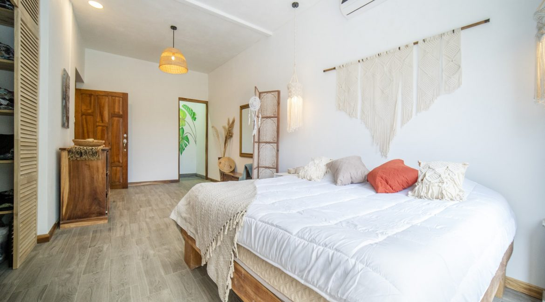 master bedroom 2-min