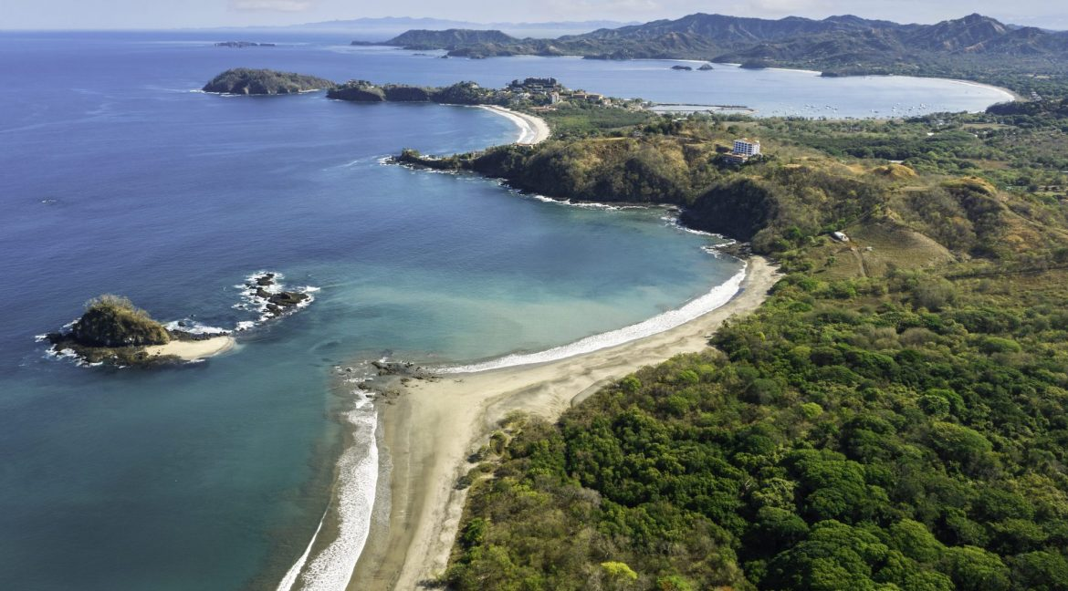 reasons to invest real estate in Costa Rica