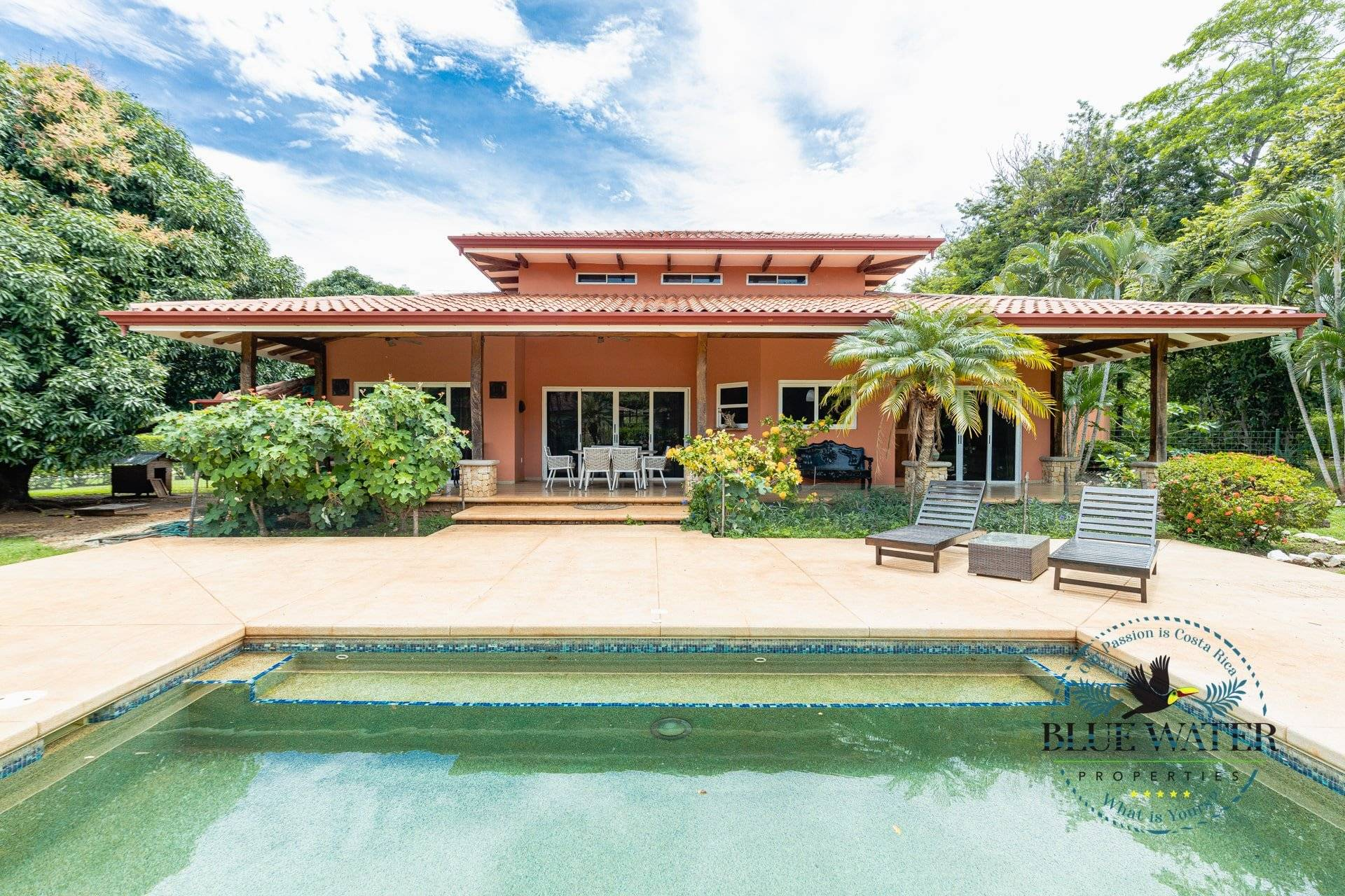 Casa Tropical -Traditional colonial home/ Gated Community minutes from the beach-UNDER CONTRACT