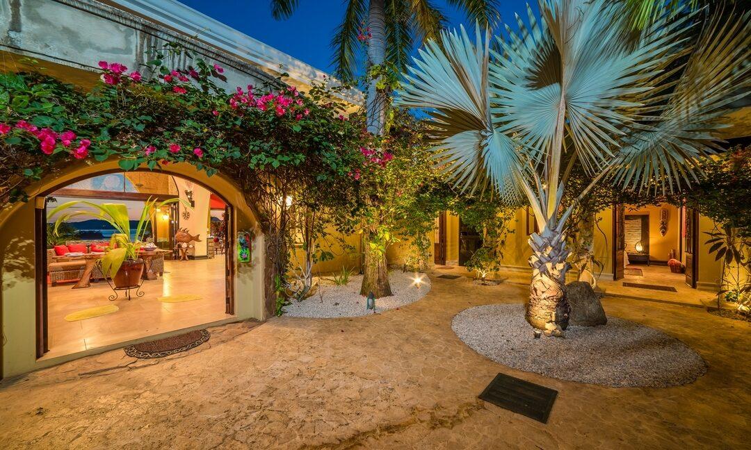 VB Evening Courtyard