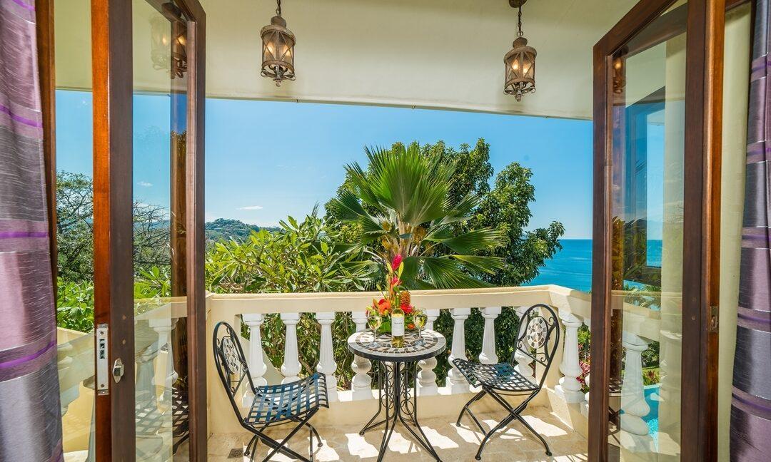 VB Honeymoon Suite Balcony