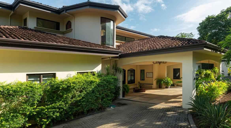 Villa Buena Onda Entrance 6-min