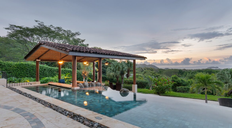 Villa Buena Onda Infinity Pool 3-min