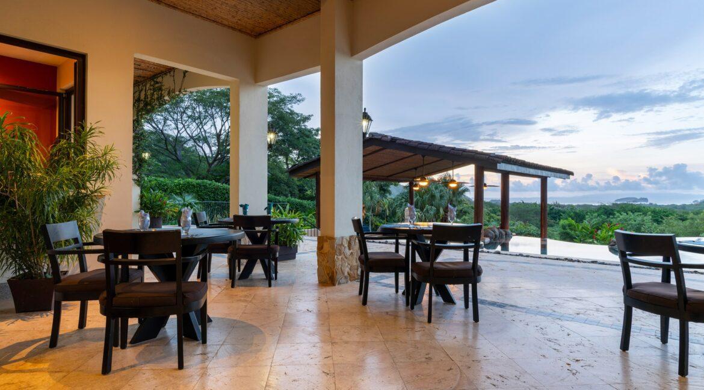 Villa Buena Onda Nya Restaurant 1-min