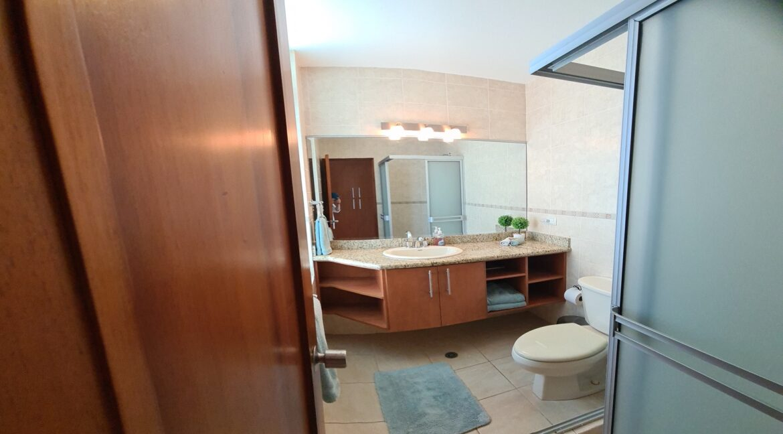 7SDM6 Bathroom #1
